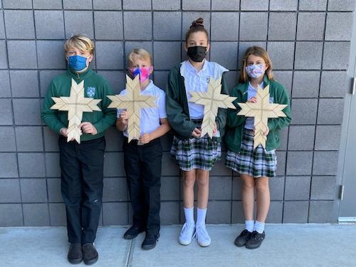 4th Grade Makes Crosses